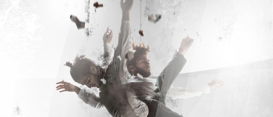 Posterbild för Skånes Dansteaters dansföreställning Above & Below, dansare: Yiorgos Pelagias, foto: Chris Nash.