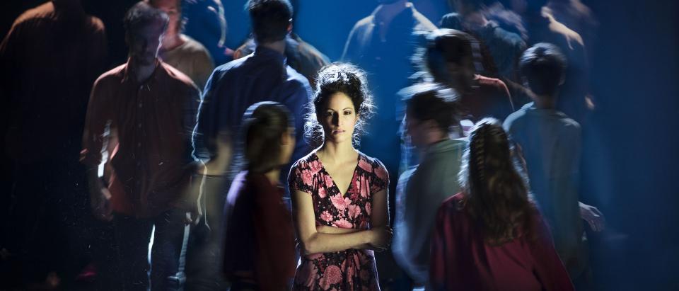 Posterbild för Skånes Dansteaters dansföreställning BELONGING, dansare: MAria Pilar Abaurrea Zardoya, foto: Mats Bäcker.
